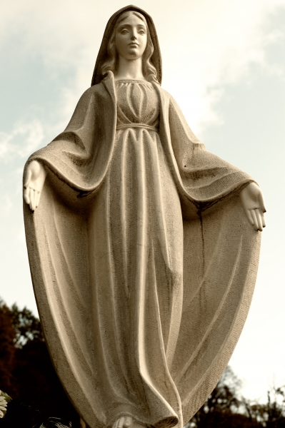 1557886-monument-lady-of-guadalupe-on-a-cemetery